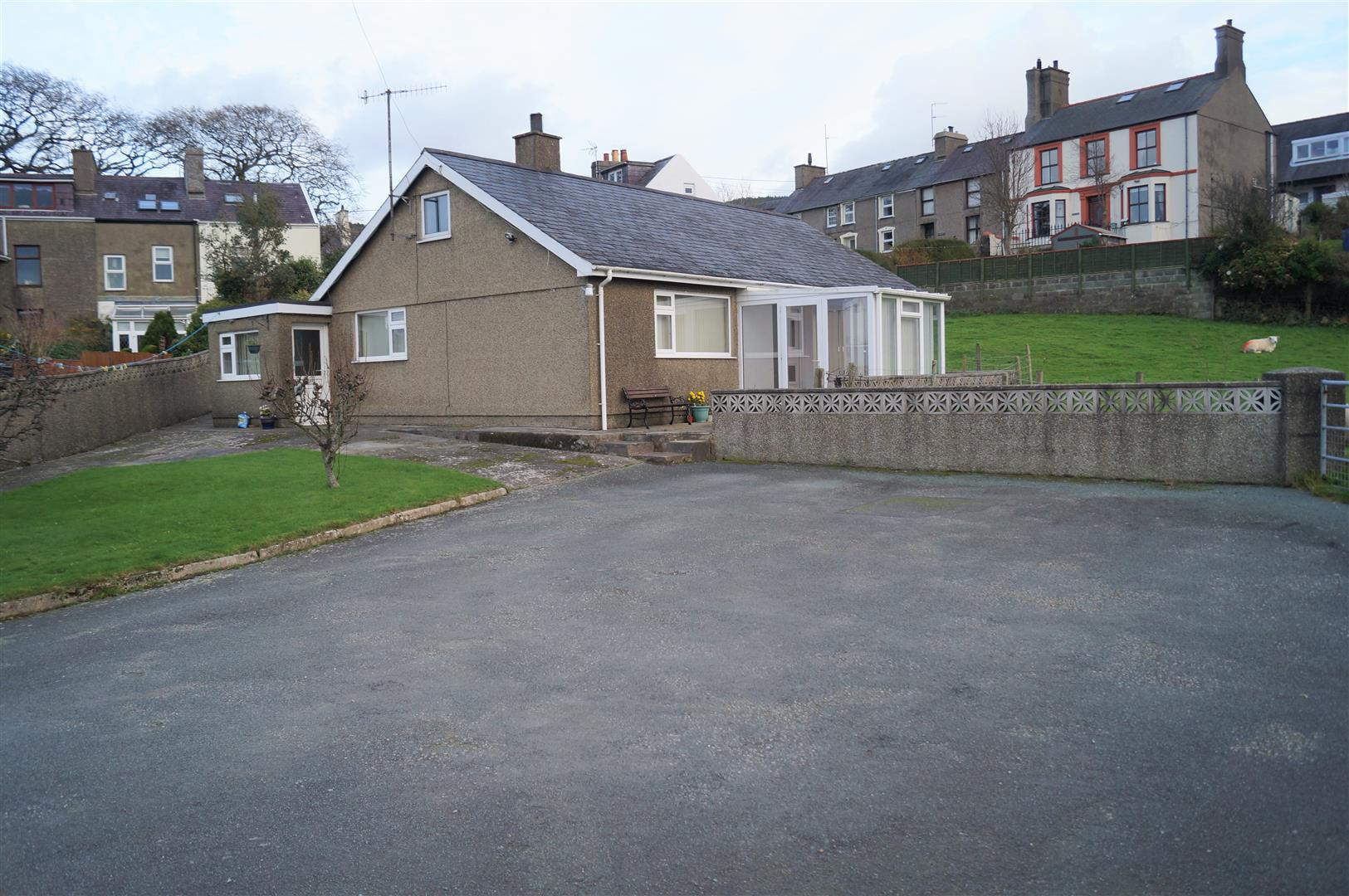 Y Fron, Nefyn - £245,000/Price guide